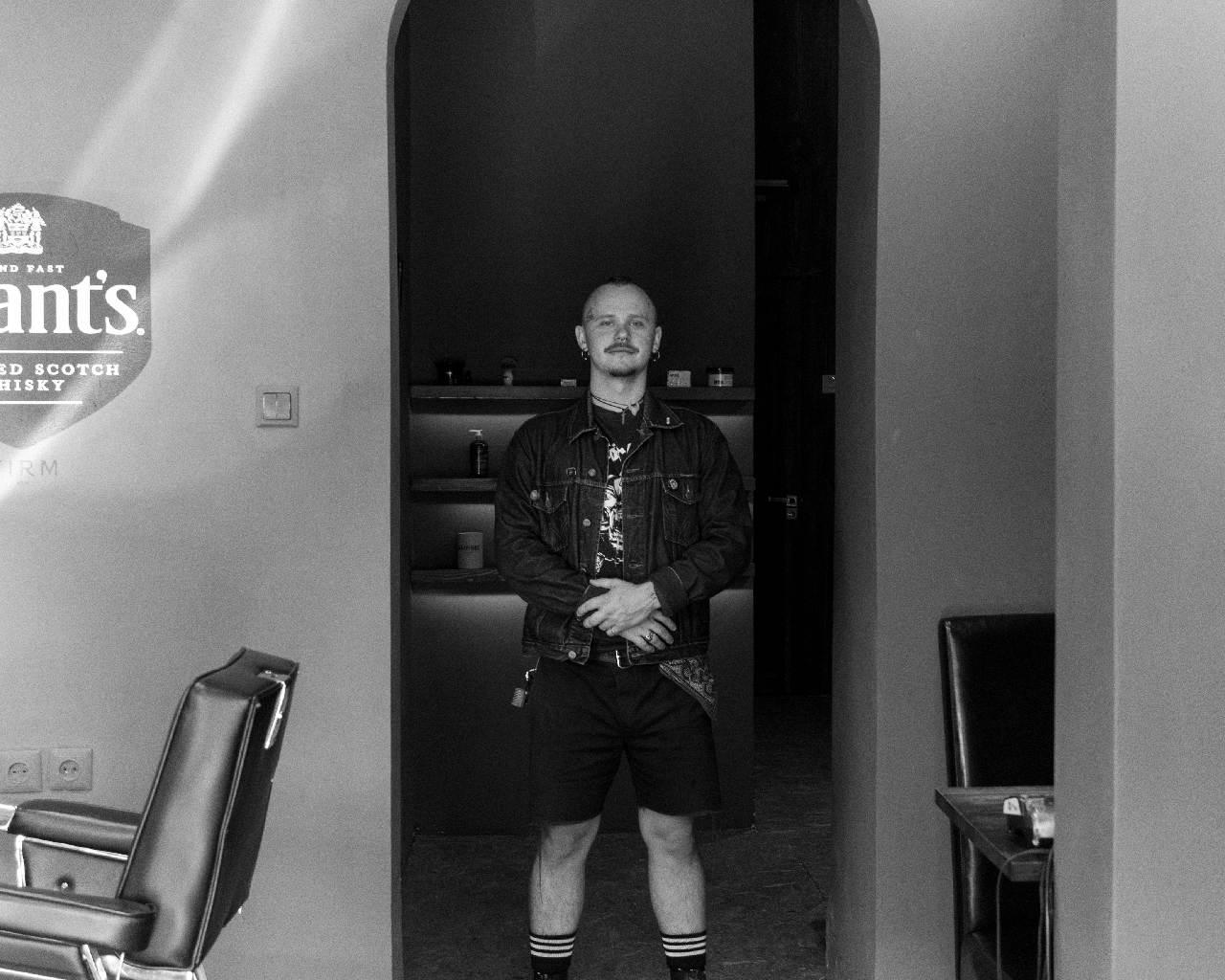 парикмахер Дима Гора
